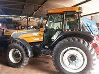Trator Valtra/Valmet 125 4x4 ano 12