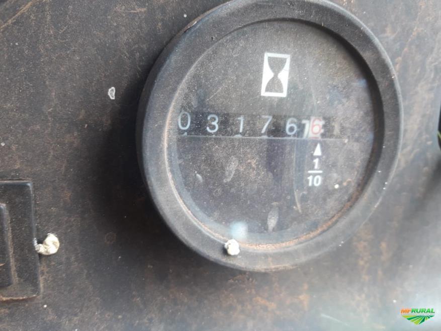 Trator Valtra/Valmet 585 Comp. 4x2 ano 02