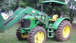 Trator John Deere 5078E 4x4 ano 13