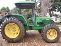 Trator John Deere 6300 4x4 ano 96