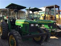 Trator John Deere 5605 4x4 ano 10