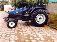 Trator Ford/New Holland TL 75 E 4x2 ano 03