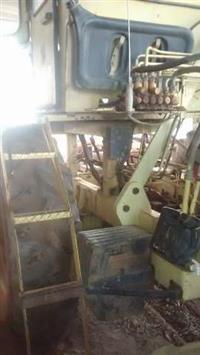 Trator Carregadeiras Massey Ferguson 290 4x4 ano 01