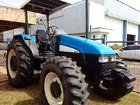 Trator New Holland TL 85 E 4x4 ano 10