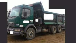 Caminhão Volvo VM330 6X4 ano 12