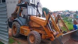 RETROESCAVADEIRA CASE 580L ANO 2002