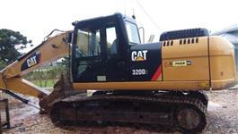 ESCVADEIRA CAT 320D2L ANO 2013 COM 4.600 HORAS!!