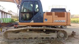 ESCAVADEIRA CASE CX220 ANO 2012 COM 8.700 HORAS!!