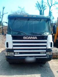 Caminhão Scania 124 420 ano 02
