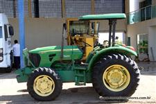 Trator John Deere 5078 78 cv 4x4 ano 13