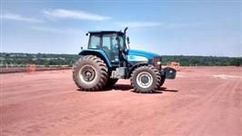 Trator Ford/New Holland TM 7010 4x4 ano 12