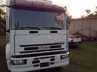 Caminhão  Iveco Tector 230E24 Plataforma 6x2  ano 08