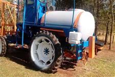 Trator Ford 6600 4x2 com Pulverizador Max system