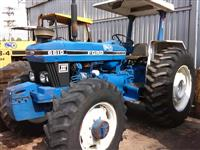 Trator Ford/New Holland 6610 4x4 ano 85