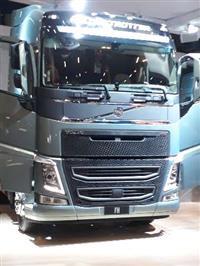 Caminhão Volvo FH 540 6 x4 ano 13