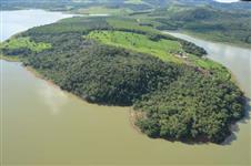 Fazenda Banhada Por Lago de Furnas