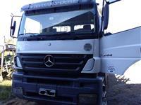 Caminhão Mercedes Benz (MB) 3344 Plataforma ano 10