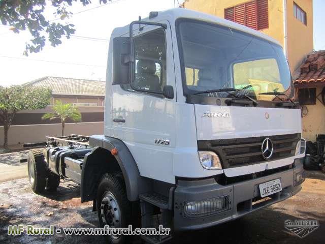 Caminhão Mercedes Benz (MB) 1725 4x4 ano 06