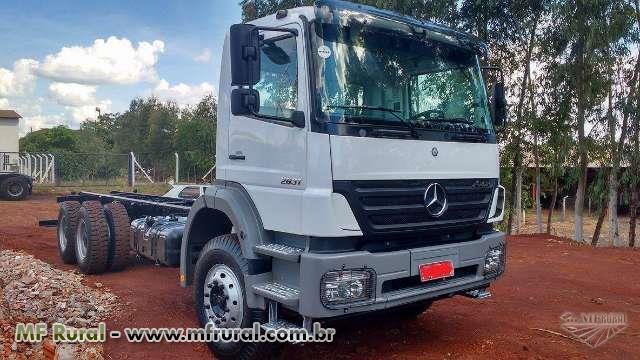 Caminhão Mercedes Benz (MB) Axor 2831 ano 12