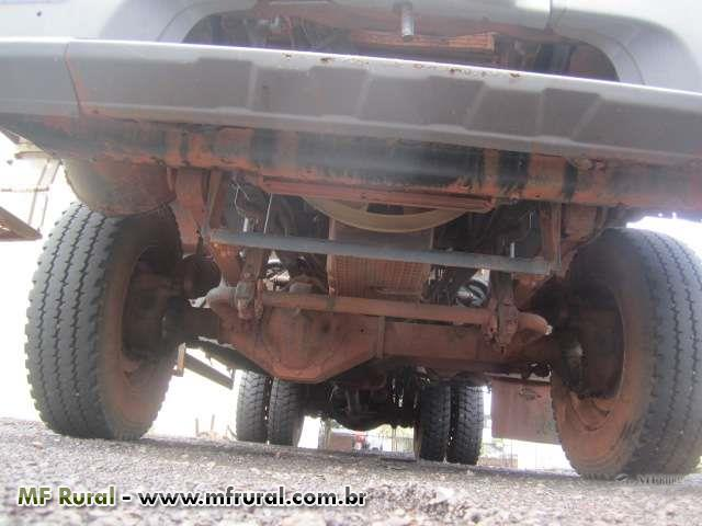 Caminhão Mercedes Benz (MB) 1725 4x4 ano 09
