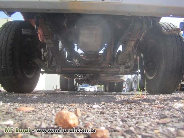 Caminhão Mercedes Benz (MB) L 2318 6x4 ano 196