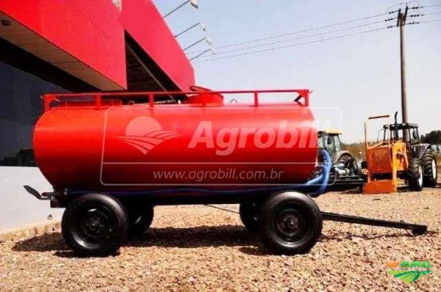 Tanque de gua 5000 litros c bomba sobre chassis de for Tanque de 5000 litros
