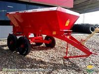 Distribuidor de Calcário, Fertilizante DCF - 6000 - Marca BALDAN - Nova