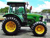 Trator John Deere 5078e Semi Novo 4x4 ano 14