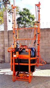 Pulverizador Jacto M 12 - 600 litros - Revisado