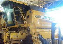 Colhedeira New Holand TC 59 ano 2005, 23 pés, hydro, completa.