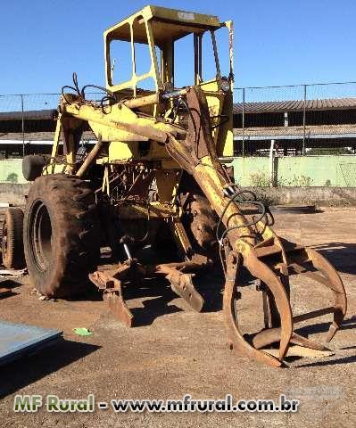 Trator CBT 2105 4x4 ano 80