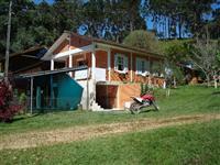 �rea Rural com �gua Natural e Cachoeira.
