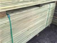 Deck de Pinus Tratado em Autoclave