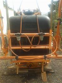 Pulverizador Jacto Condor 600 litros Barra de 12 metros