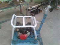 placa vibratória reversível .marca weber modelo cr5.motor diesel
