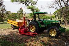 Trator John Deere 5700 4x4 ano 99