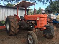 Trator Massey Ferguson 65 X 4x2 ano 82