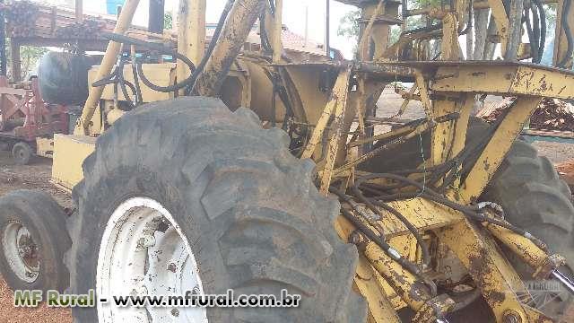 Trator Carregadeiras CBT 8440 4x2 ano 87