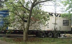 Grupo Gerador Diesel Cummins/Weg 1000Kva c/ 3147h (originais) + Carreta (em funcionamento)