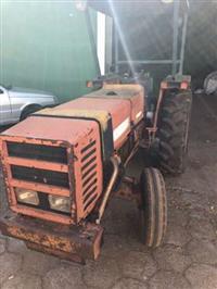Trator Agrale 4300 4x2 ano 88