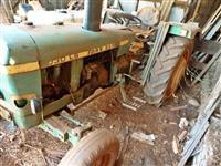 Trator John Deere 1030 LS 4x2 ano 77