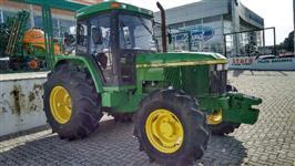 Trator John Deere 6600 4x4 ano 99