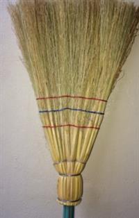 Vassoura Caipira - Vassoura de palha Caipira