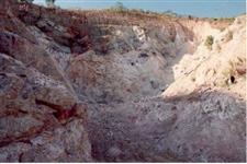 Vendo mineraçao de feldspato com decreto de lavra no interior de sp.