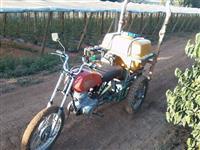 Triciclo pulverizador.