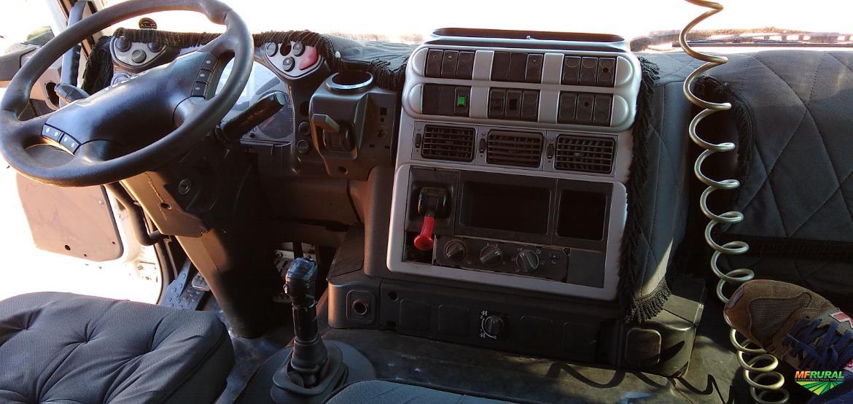 Caminhão Iveco Stralis NR 490S38T 4x2 ano 08