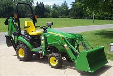 Trator John Deere 1025R 4x4 ano 14