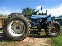 Trator Ford/New Holland 6600 4x4 ano 84