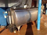 Tanque resfriador de leite  ALFA LAVAL AGRI meia cana, 2.000 Litros. LAVAGEM AUTOMÁTICO!!!!!!!