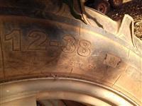 Roda para trator com aro, pneu fino 12/38 e câmara completa.